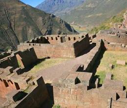 valle-sagrado-de-los-incas01-pisaq